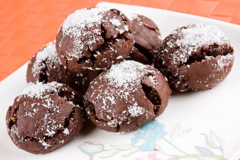Bombe croccanti al Cacao con Cioccolato Bianco e Farina di Cocco