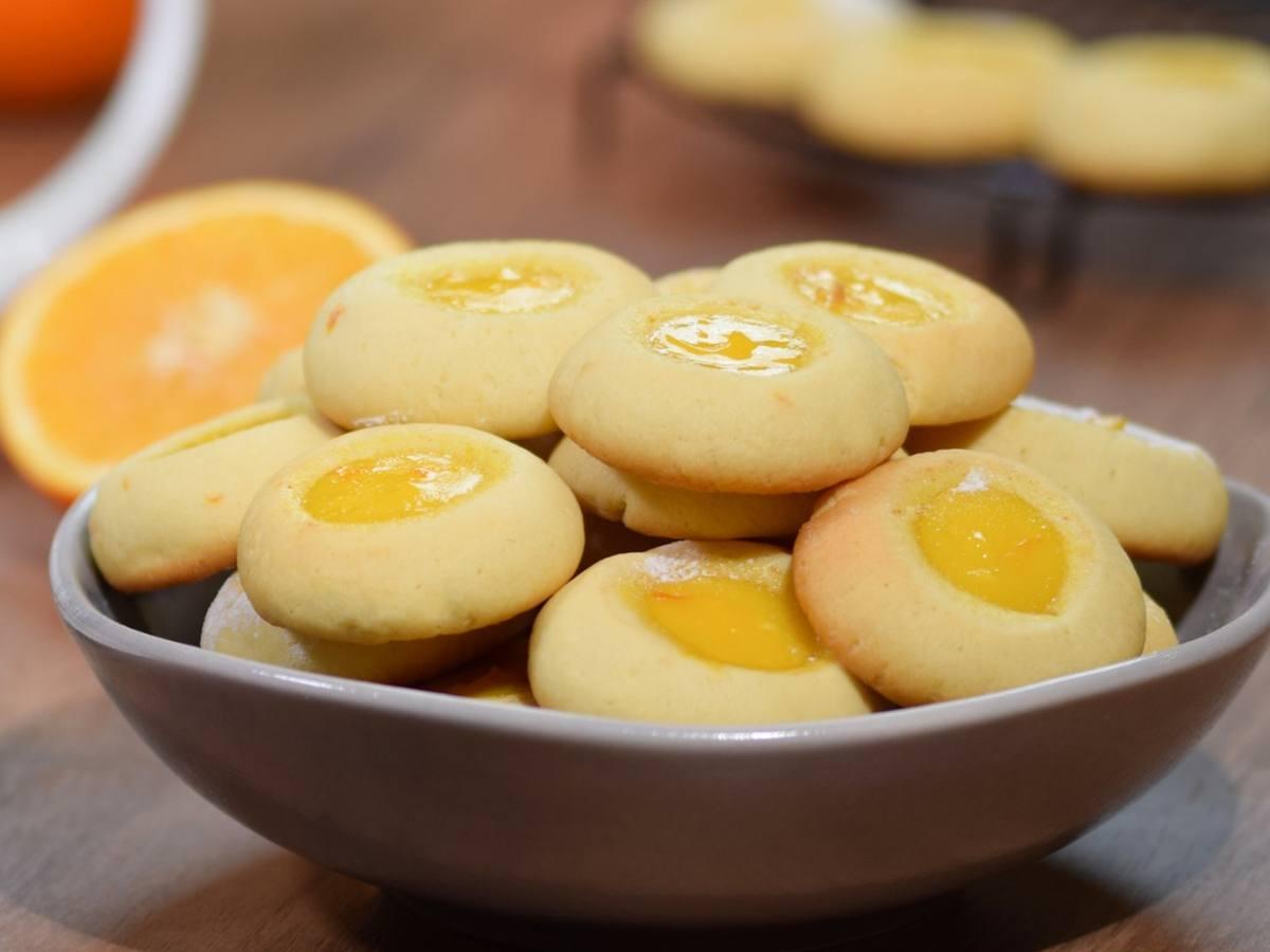 Biscotti facili alla marmellata di arance: un biscotto friabile e goloso