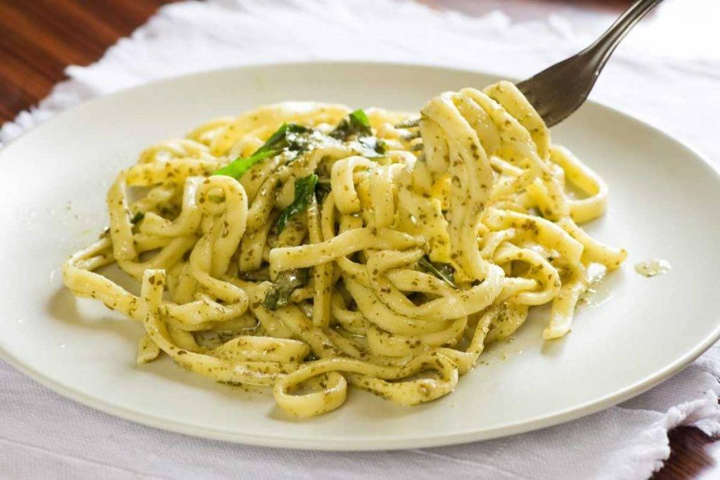 Scialatielli al basilico fatti in casa - ricettasprint.it