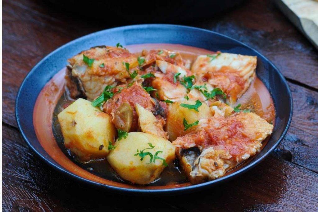 Baccalà con patate e sugo