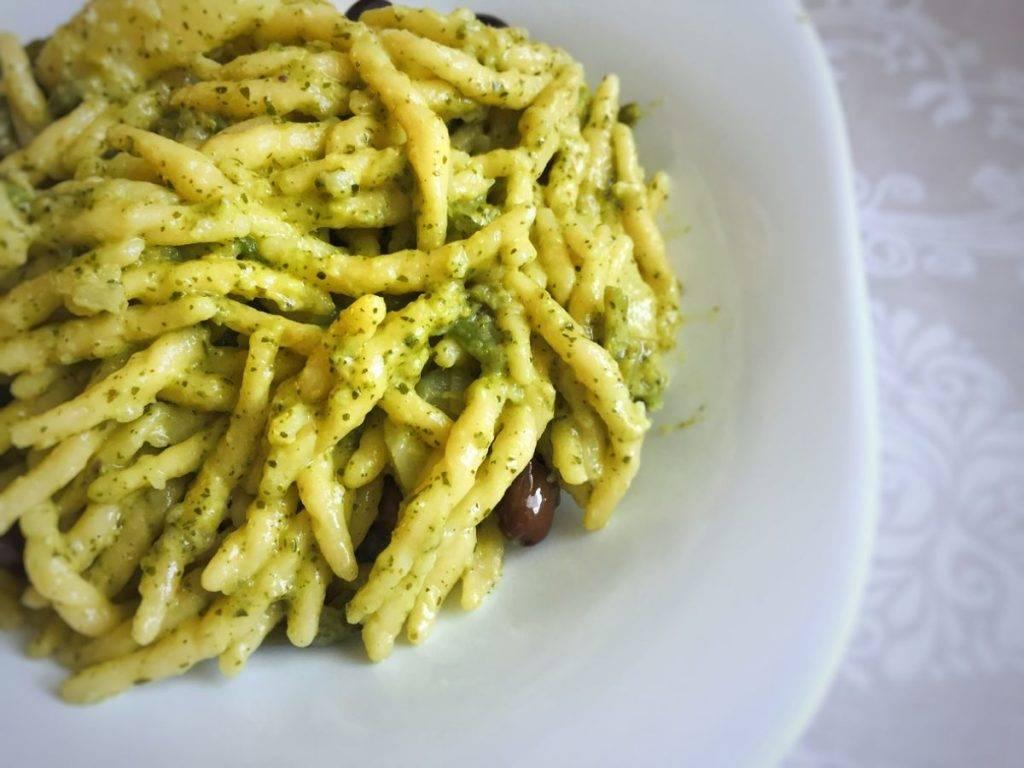 Trofie con Broccoli e Olive nere