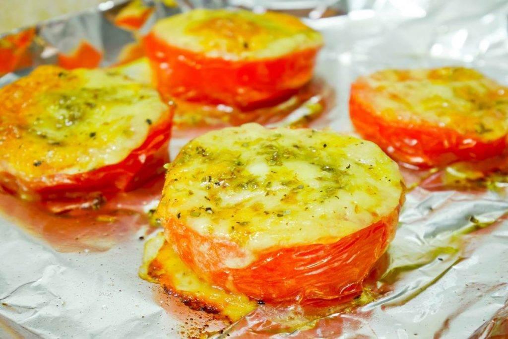 Pomodori al forno con Formaggio e Mozzarella,