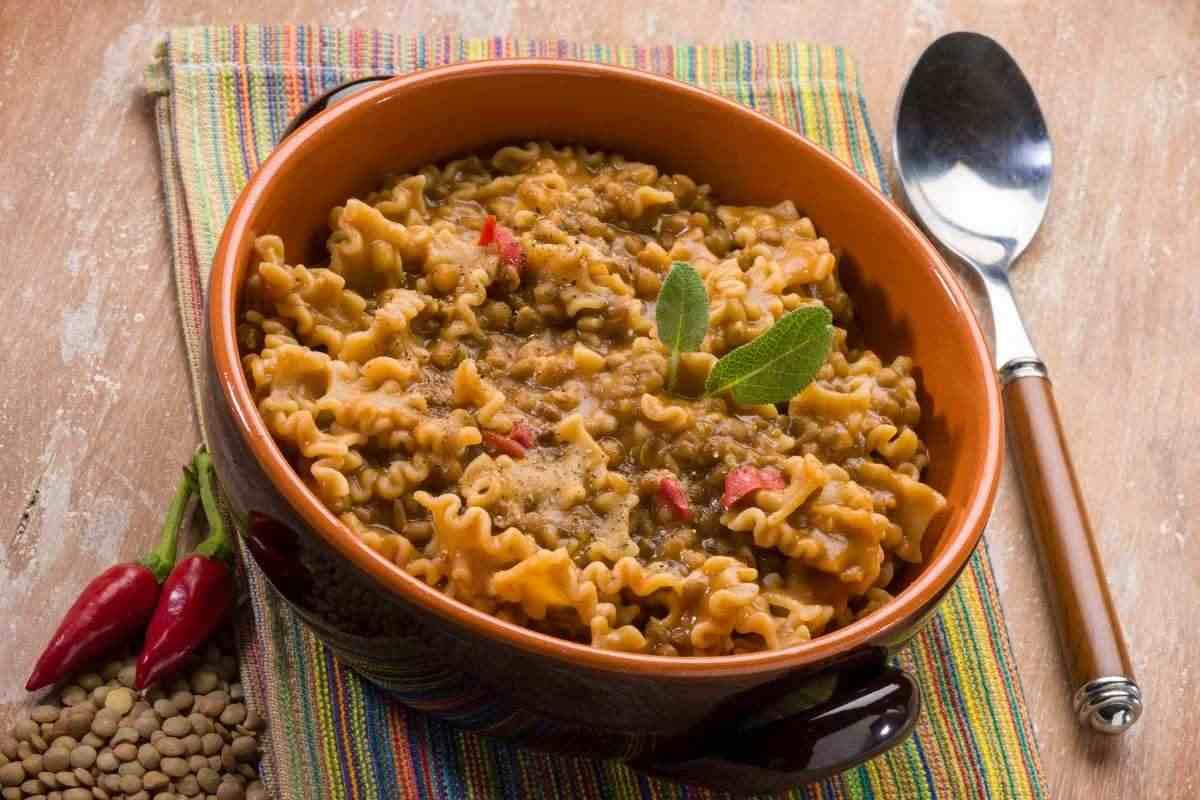 La pasta e lenticchie con pancetta