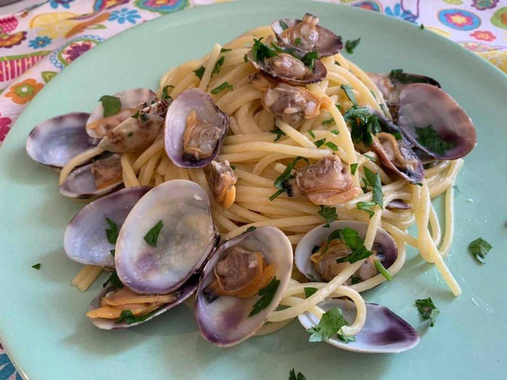spaghetti con le vongole ricetta con video