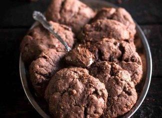 Biscotti con farina di castagne al miele e cioccolato