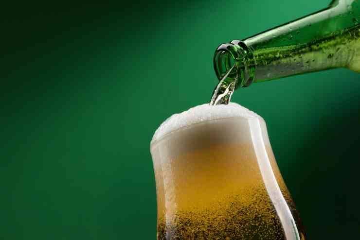 Pollo alla birra e cipolle - ricettasprint