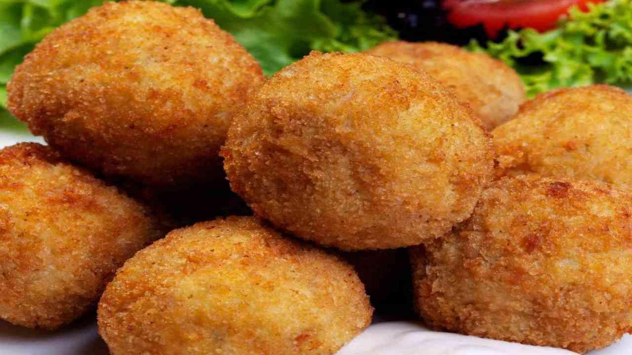 Polpette di pesce e patate senza uova