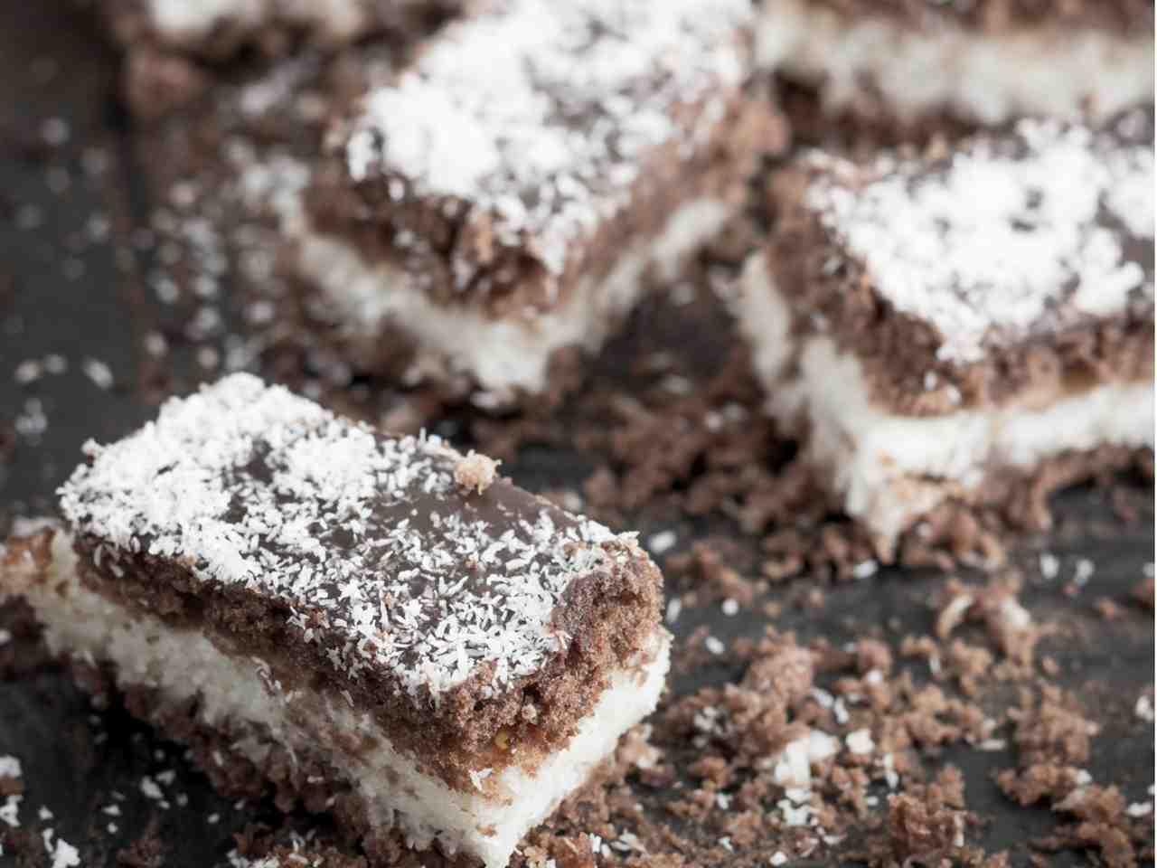 Torta al cocco e cioccolato fondente
