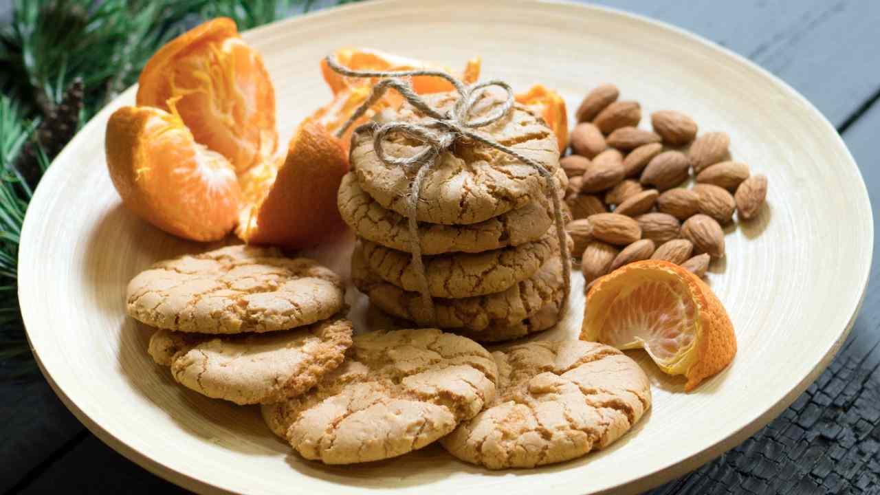 Biscotti al mandarino e mandorle