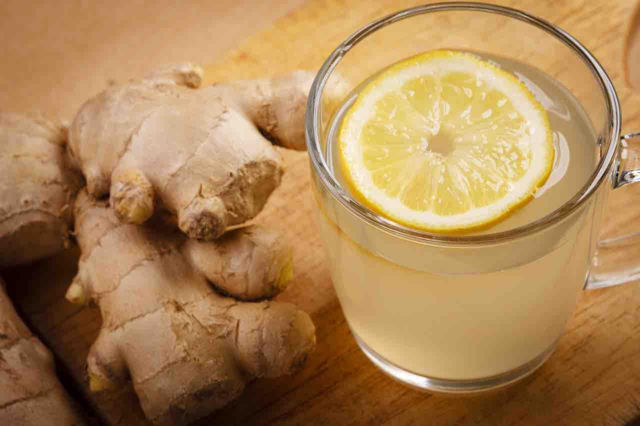 zenzero e limone per bruciare i grassi
