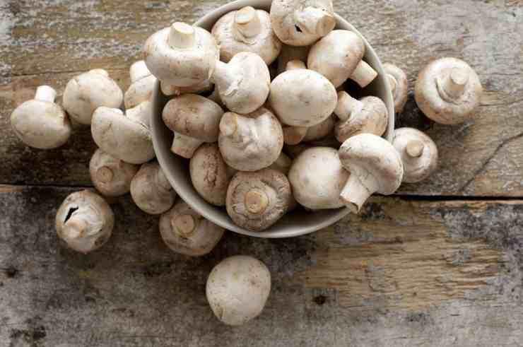 arrosto di vitello con funghi champignon