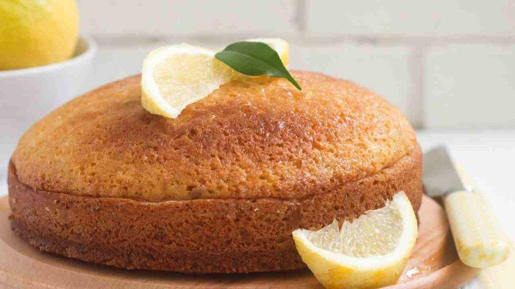 Torta 5 minuti al limone senza burro