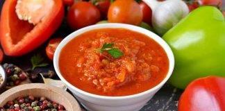 Salsa rubra per accompagnare carni e bolliti