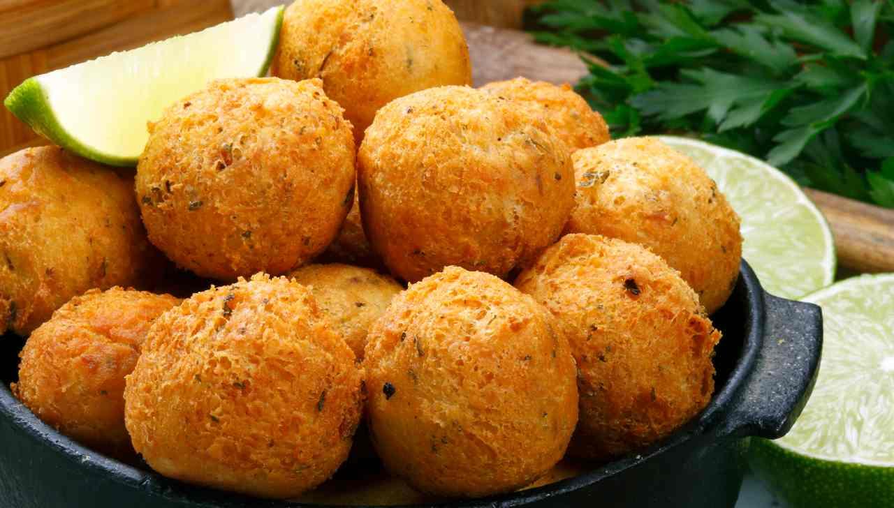 Polpette di patate parmigiano ed erbe aromatiche - ricettasprint