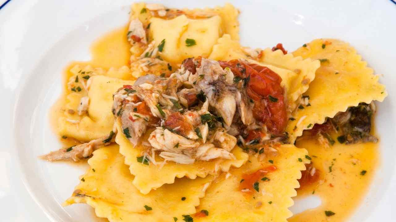 Ravioli ripieni di patate e baccalà