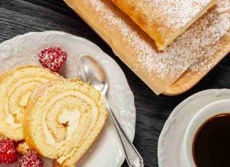 Rotolo di pandoro panna e cioccolato