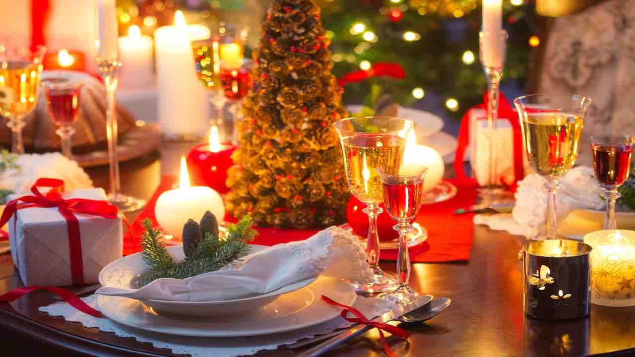 Arredare Tavola Natale 5 regole per apparecchiare la tavola a natale | it's