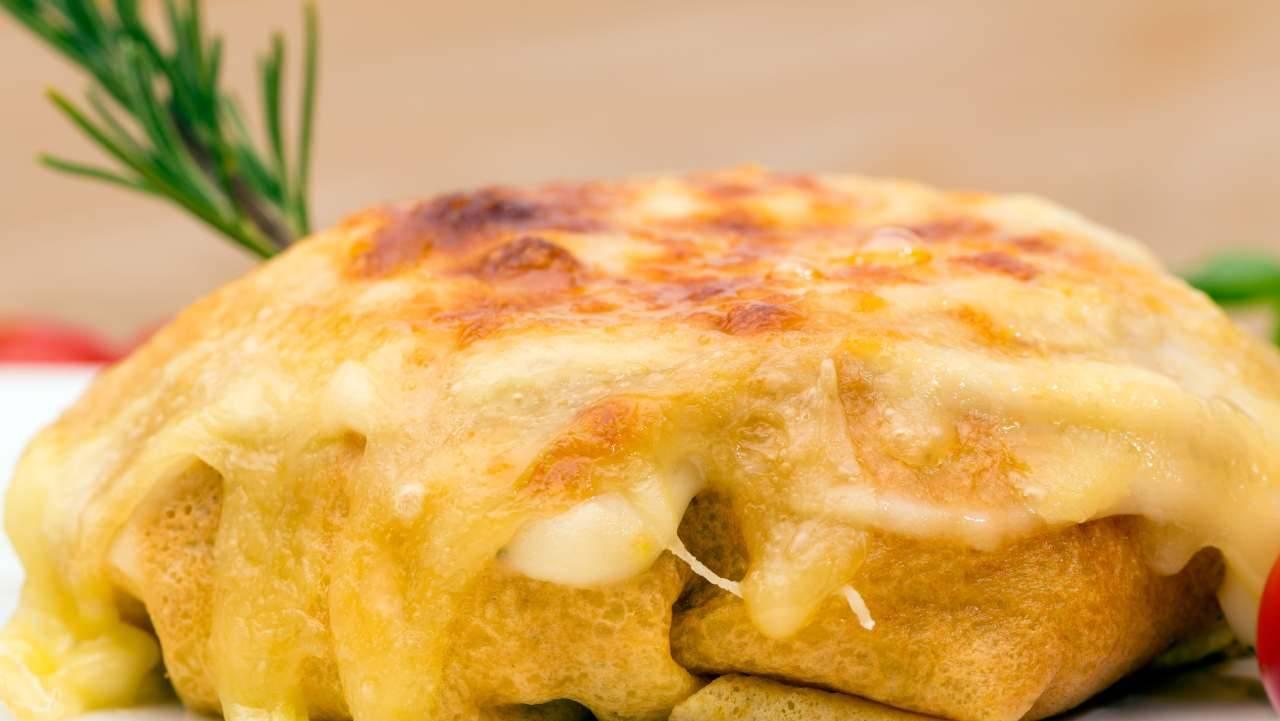 Crespelle con pesto e mozzarella - ricettasprint
