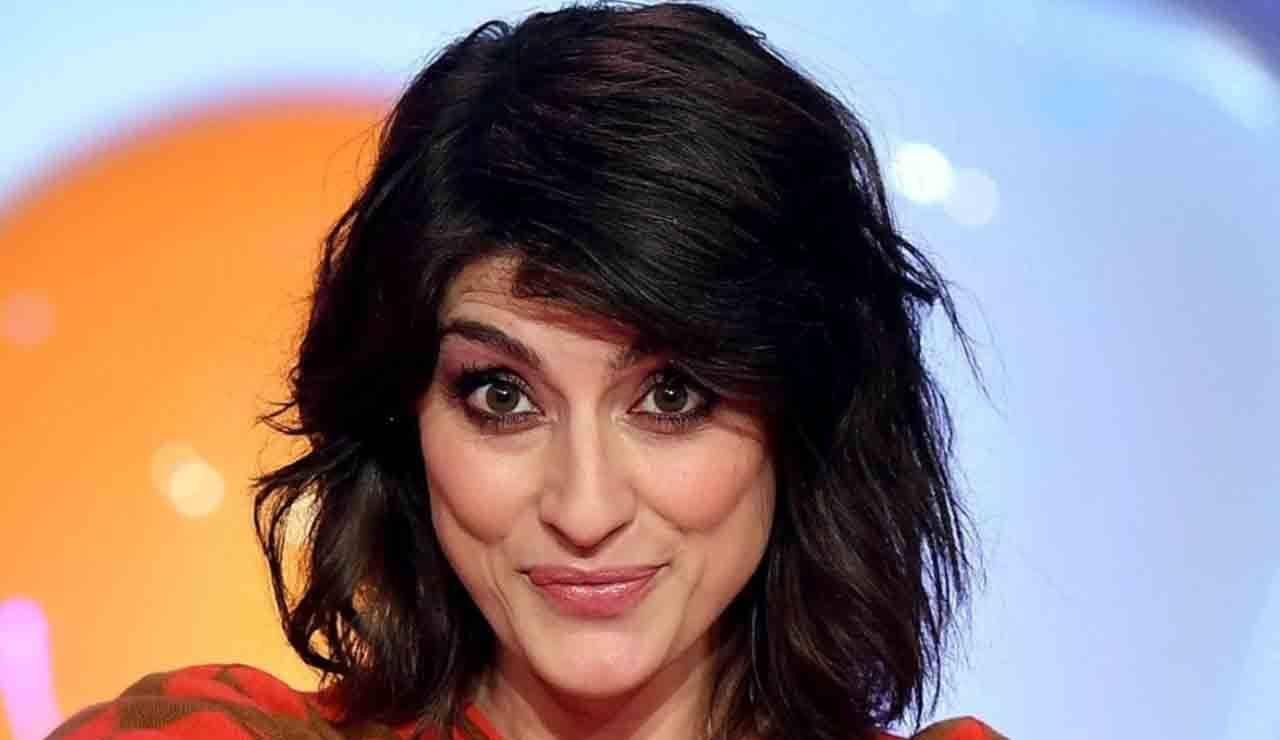 Elisa Isoardi pazza d'amore ma spunta un terzo incomodo - ricettasprint