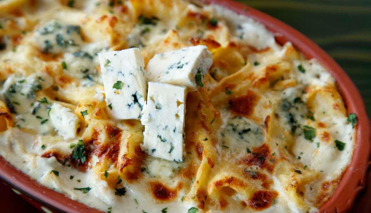 Pasta al forno con fonduta di gorgonzola - ricettasprint