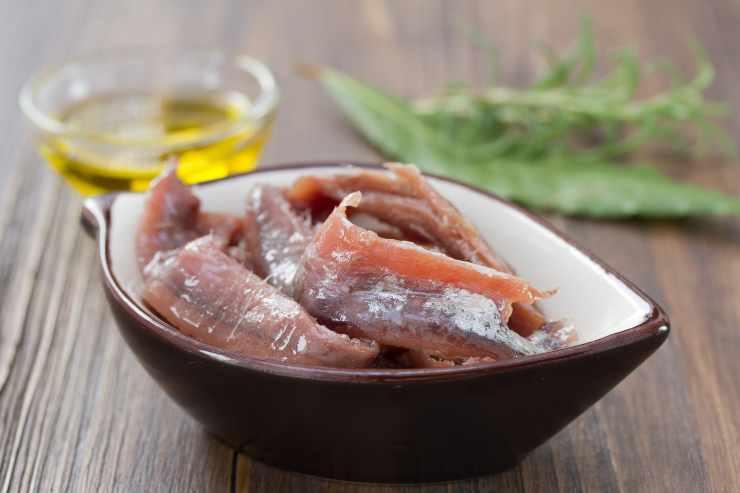Peperoni ripieni con alici e pomodorini - ricettasprint