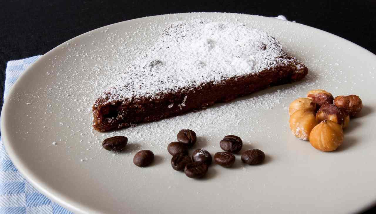Torta cacao caffè e nocciole 5 minuti - ricettasprint