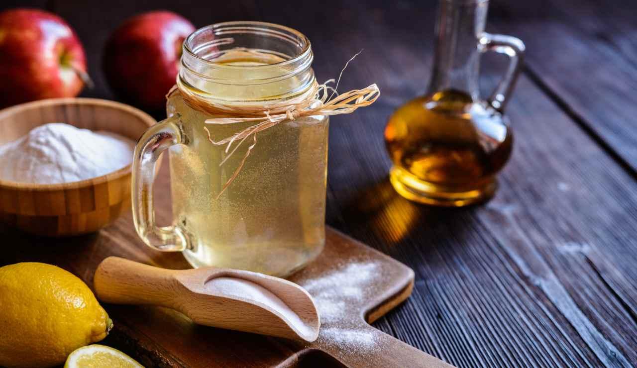 aceto di mele e bicarbonato i benefici per la linea - ricettasprint