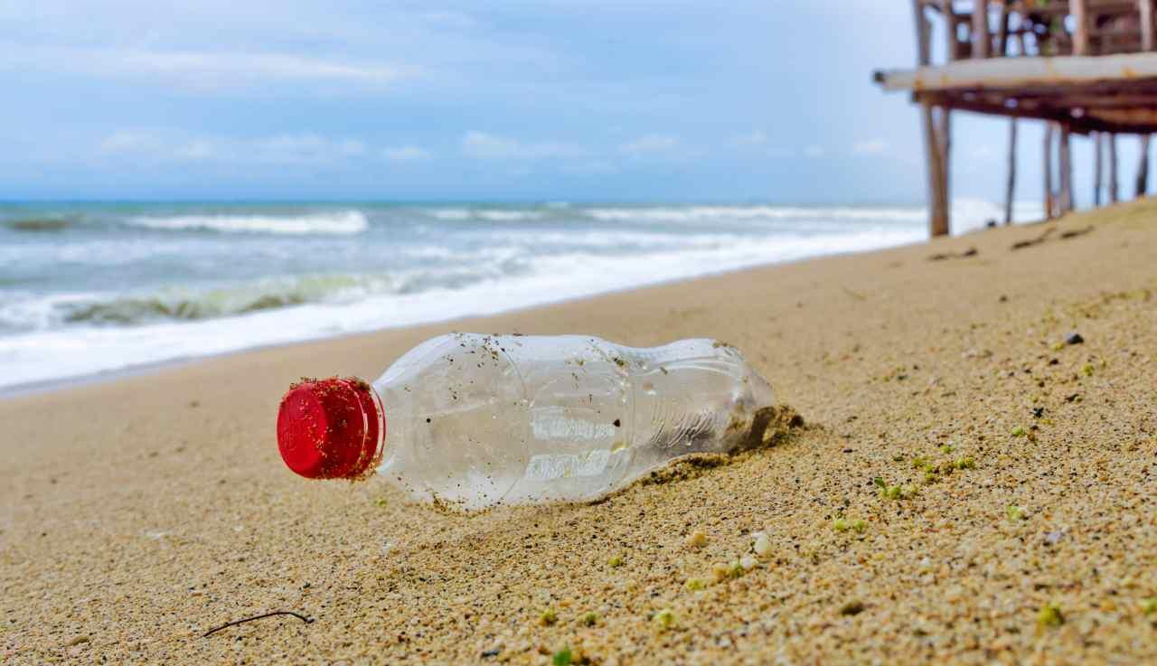bottiglie in plastica annuncio della coca cola - ricettasprint
