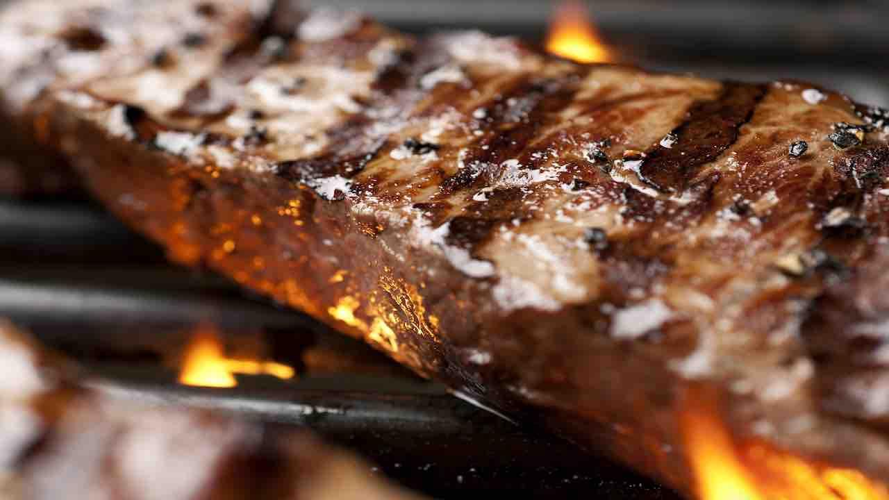 Carne alla griglia   cancerogena o no?