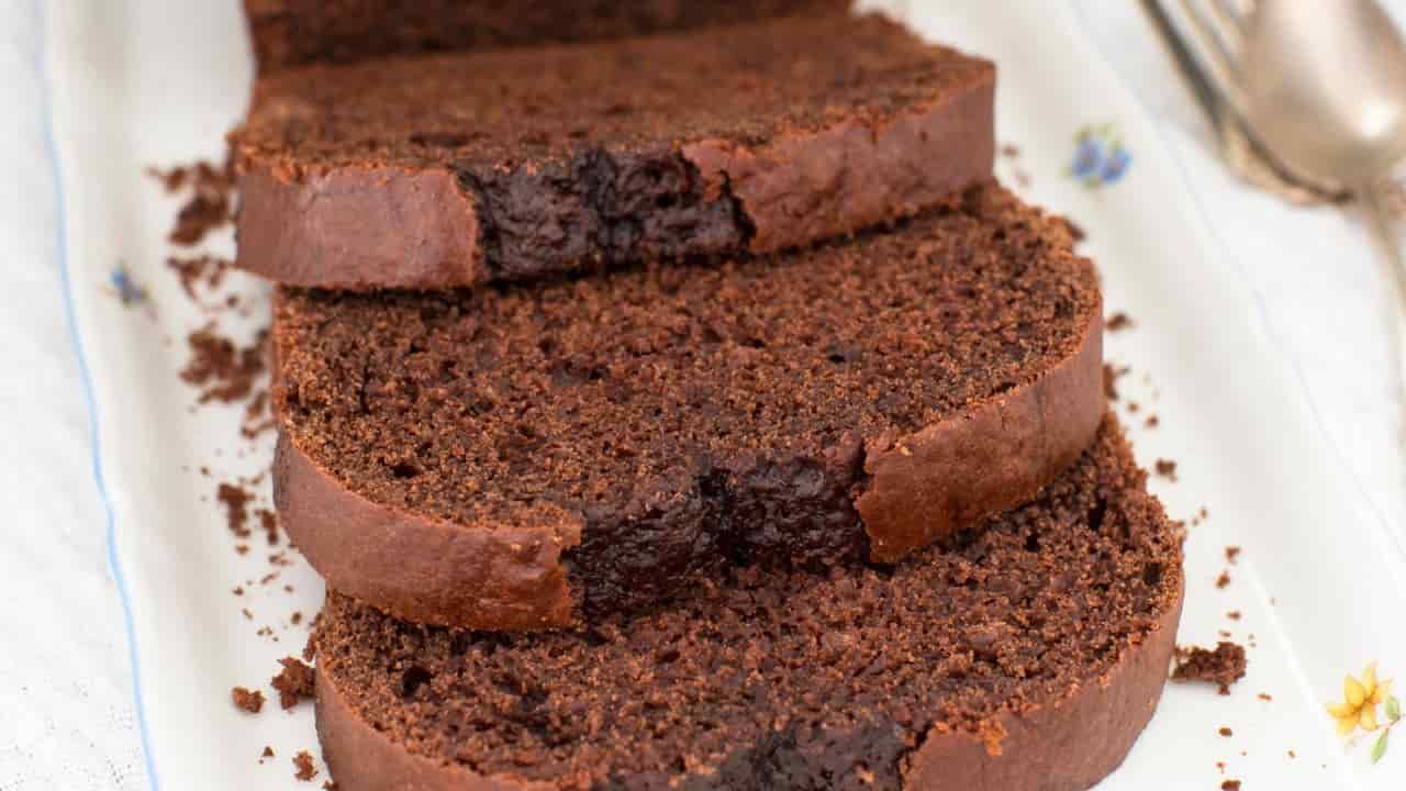 Plumcake al cioccolato senza burro e uova