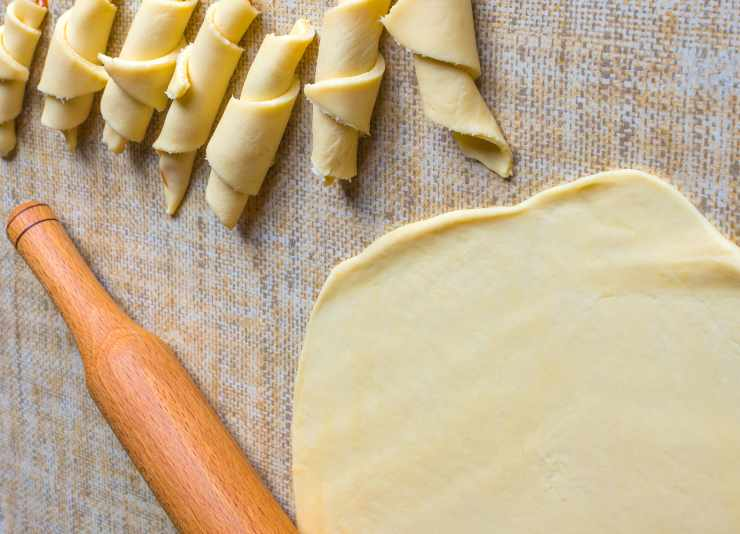 cornetti soffici alla panna - ricettasprint