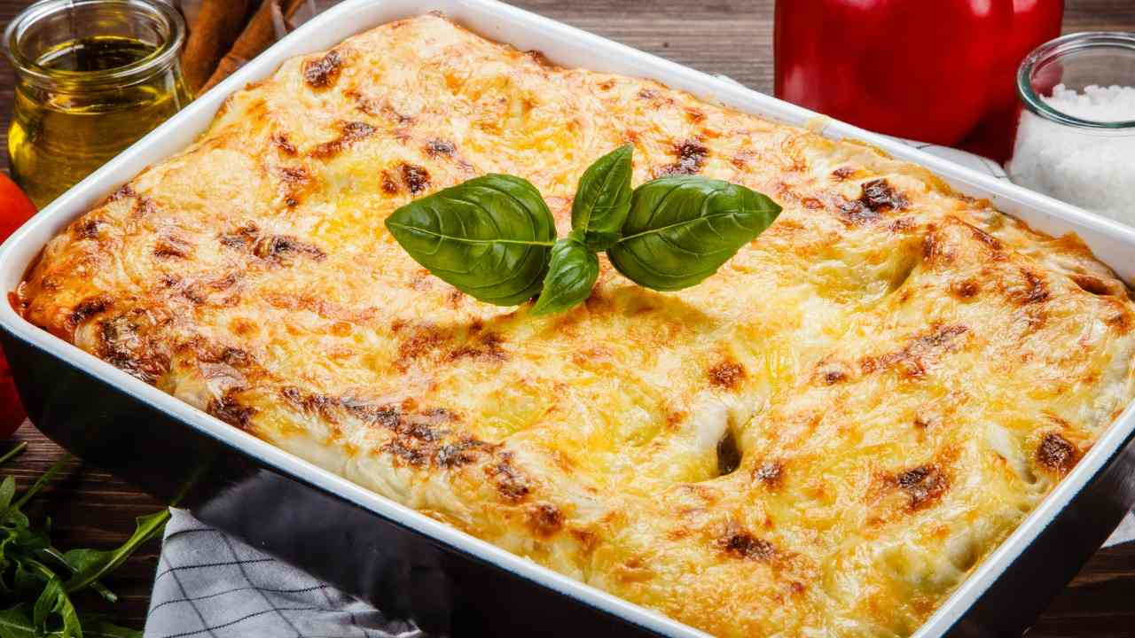 Lasagna con carciofi fritti e pecorino