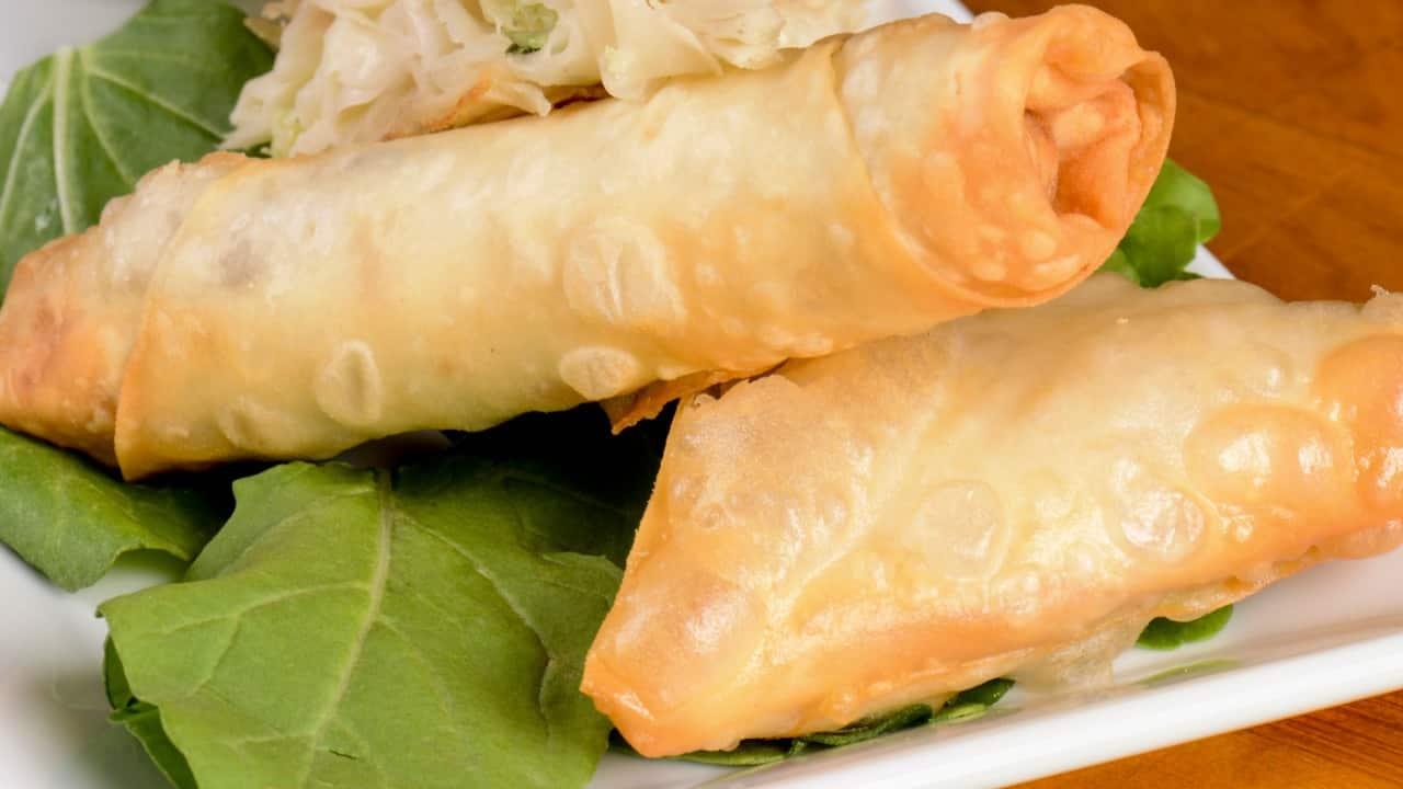 Cannoncini di sfoglia con prosciutto e formaggio