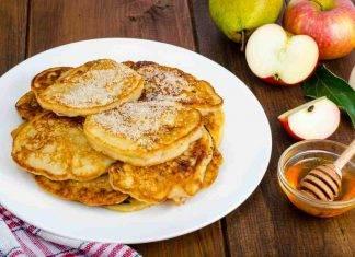 Frittelle 5 minuti di mele e ricotta - ricettasprint