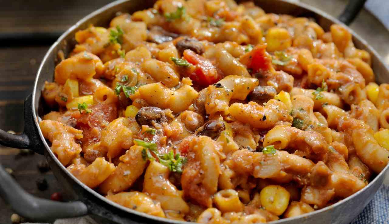 Pasta cremosa con fagioli e pomodori - ricettasprint