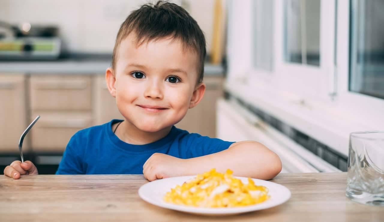 Uova ai bambini quante ne possono mangiare fanno bene o no - ricettasprint