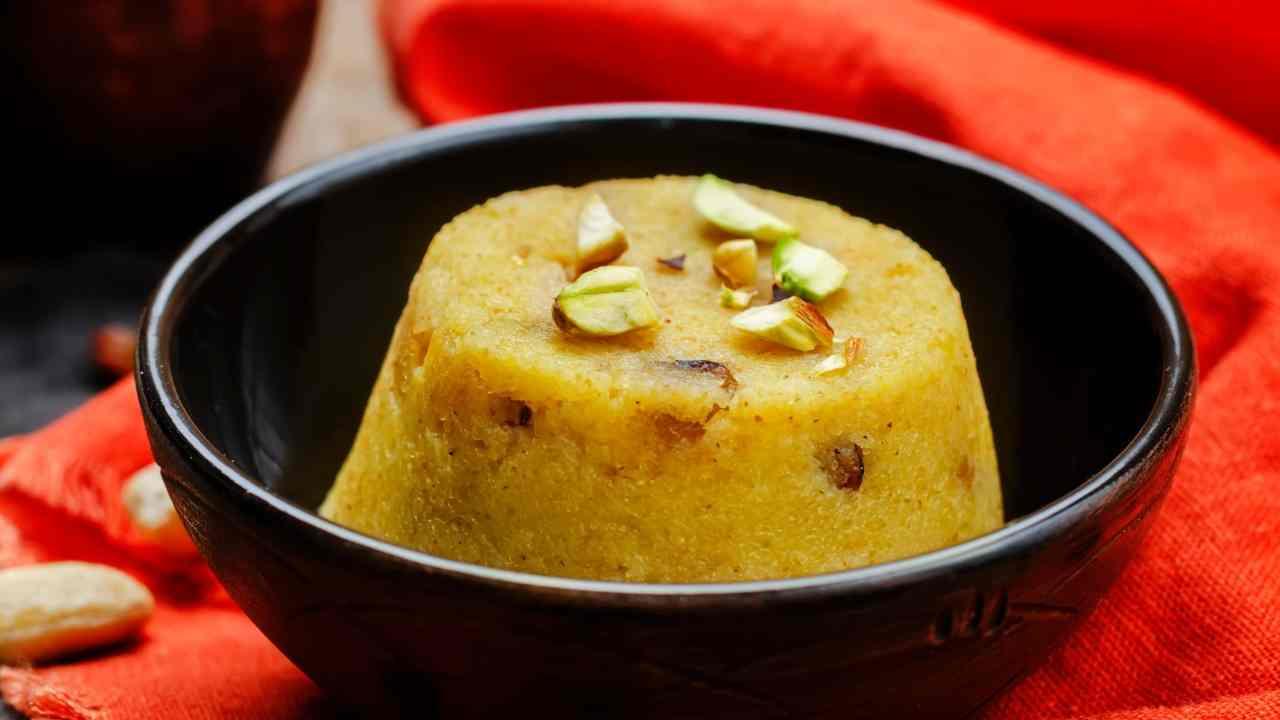 Budino di riso allo zafferano e pistacchi