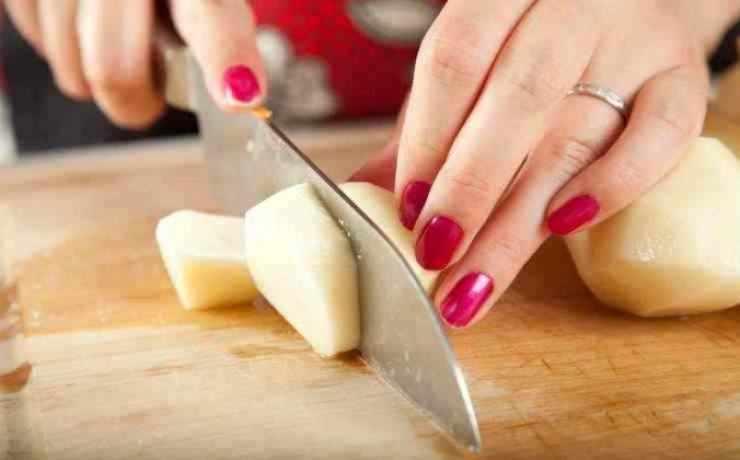 Come lessare le patate in 3 minuti - ricettasprint