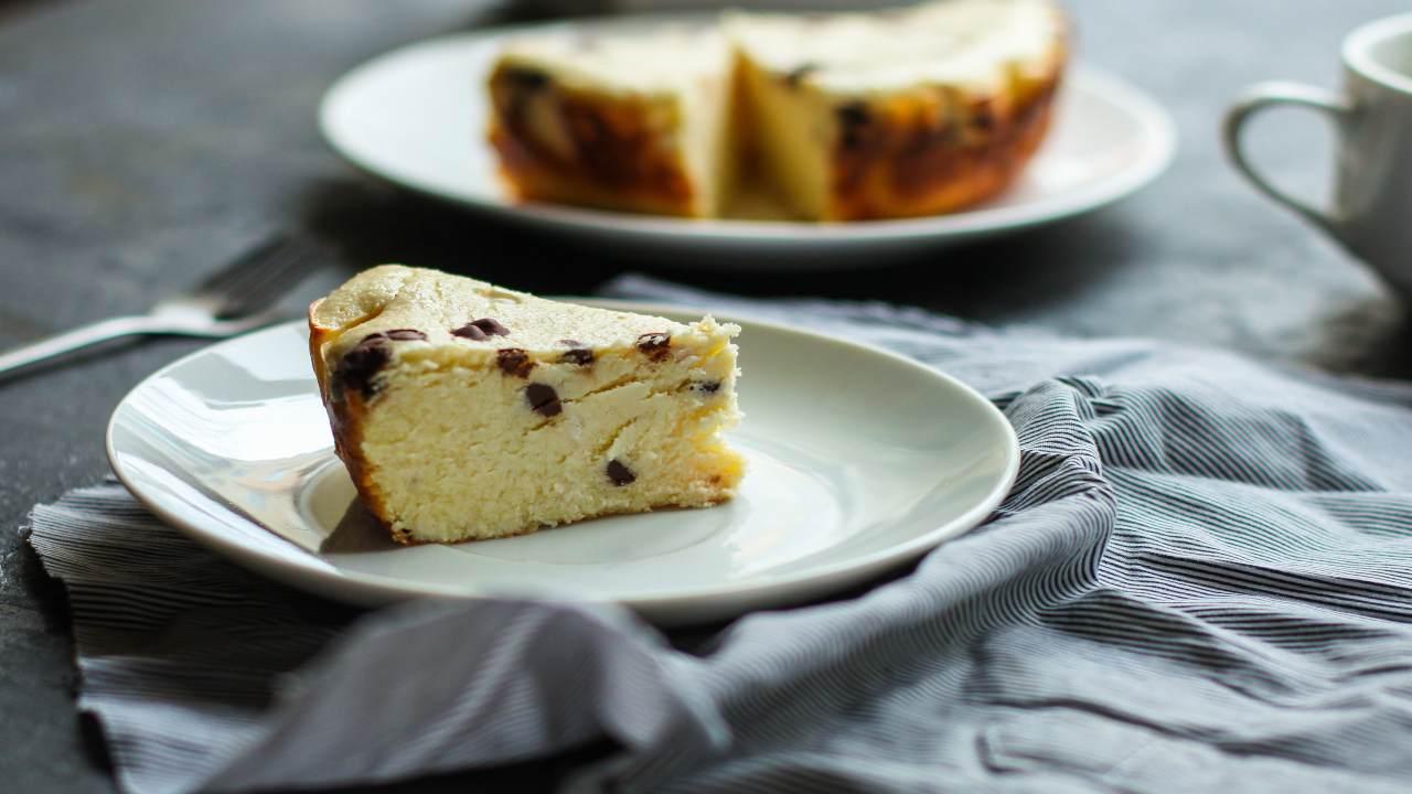 Torta pastiera con cioccolato e ricotta