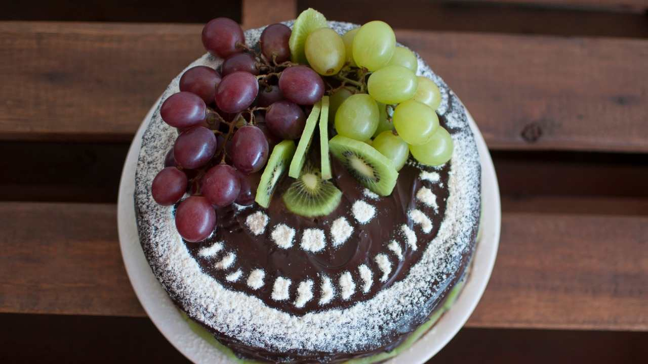 Torta al cioccolato e kiwi