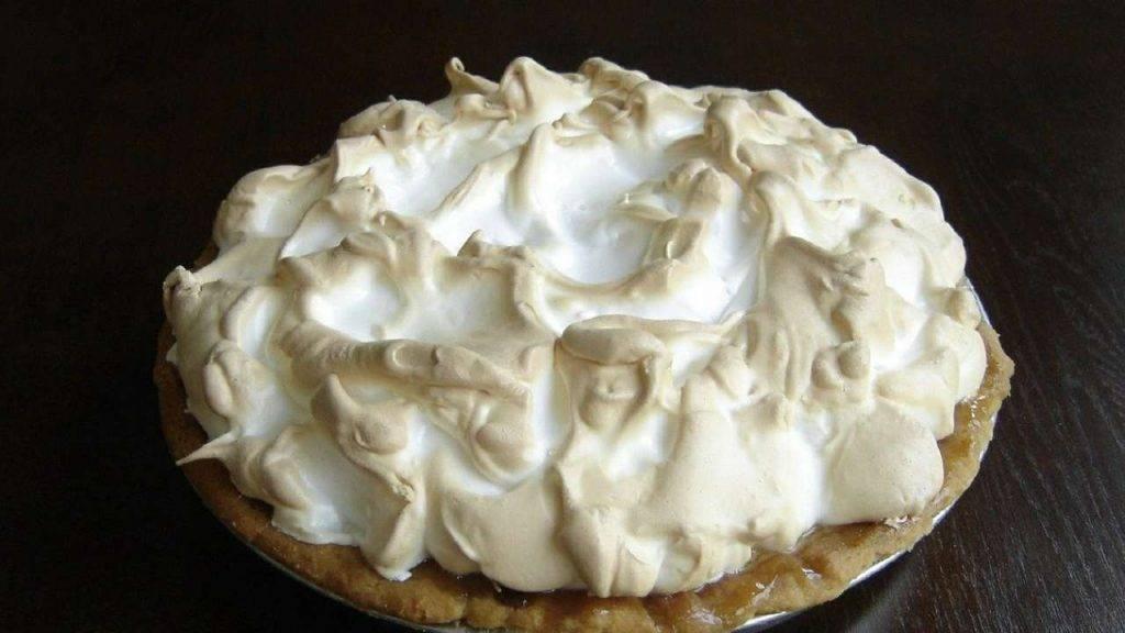 Torta meringata con crema pasticcera