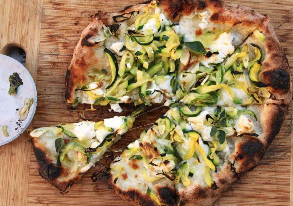 pizza con zucchine e alici - ricettasprint