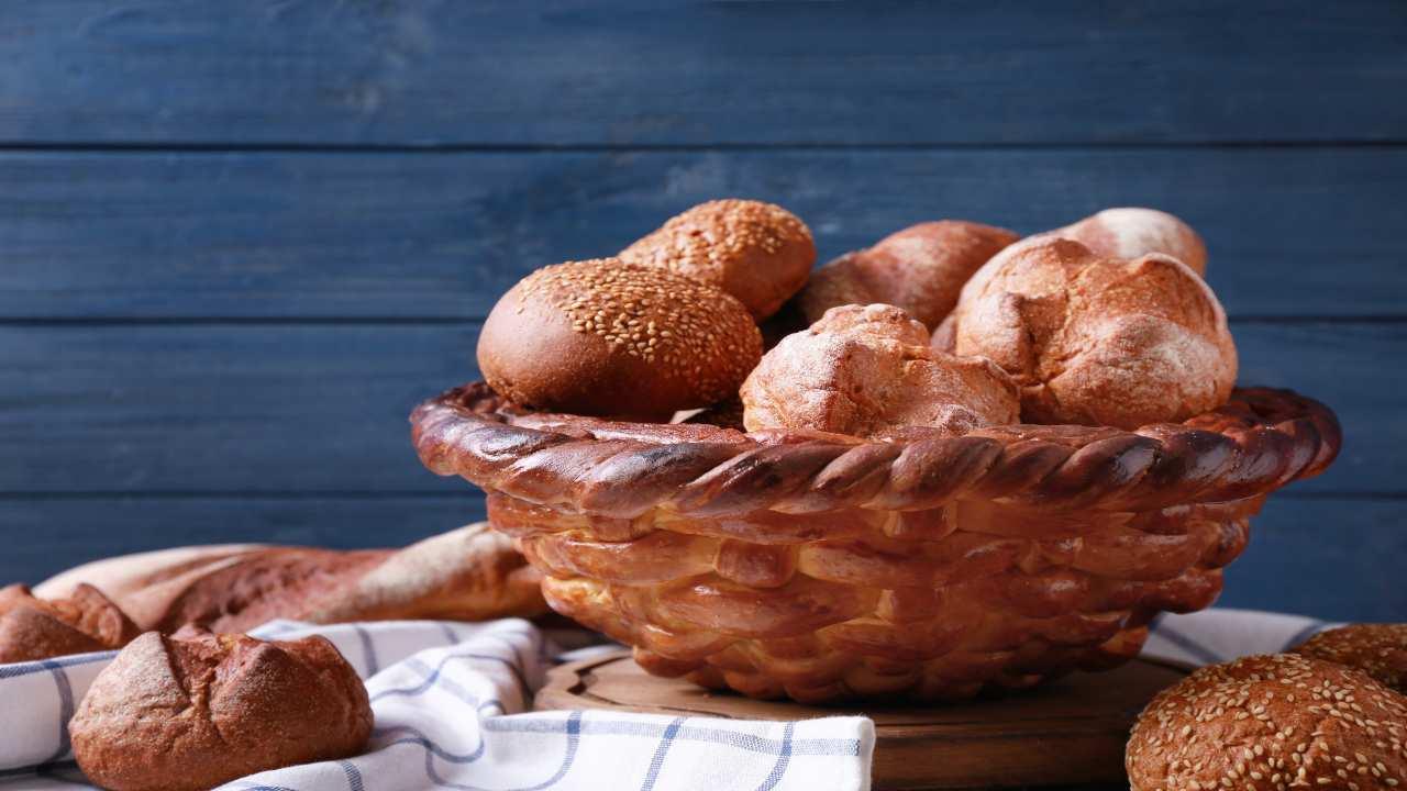 Cestino di pane decorativo