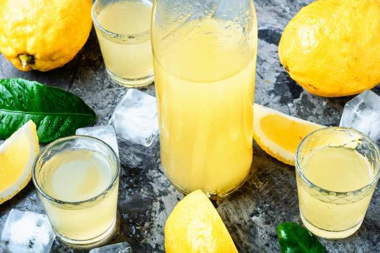 Colomba in bicchiere con limoncello