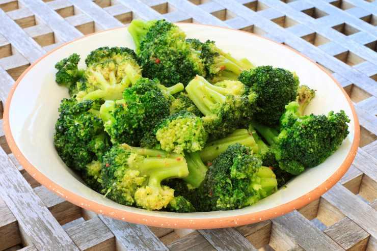 filetto di sogliola con crema di broccoletti - ricettasprint