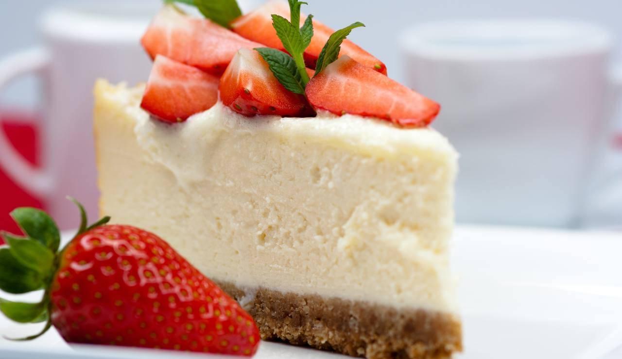 Cheesecake facile al prosecco e fragole ricettasprint