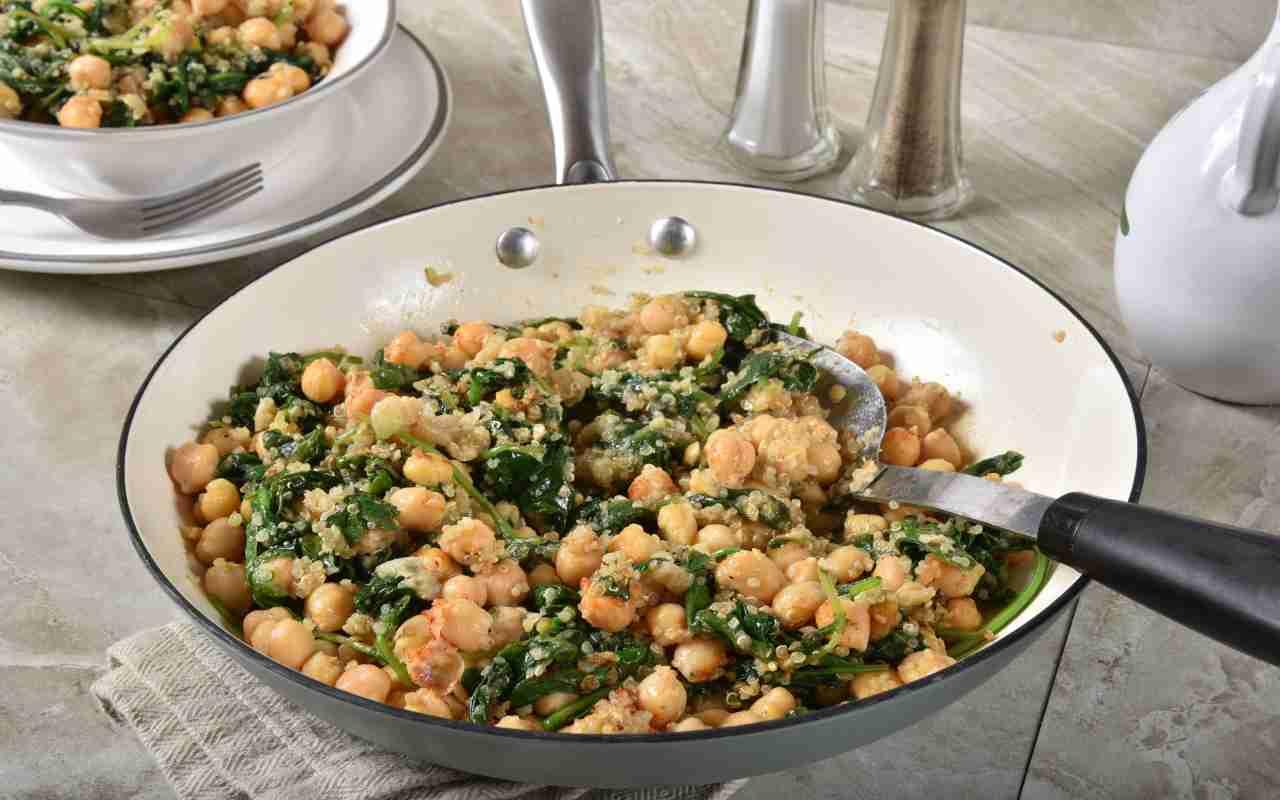 Curry vegan con ceci e spinaci FOTO ricettasprint
