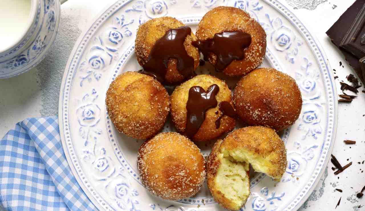 Frittelle veloci al cocco e nutella - ricettasprint