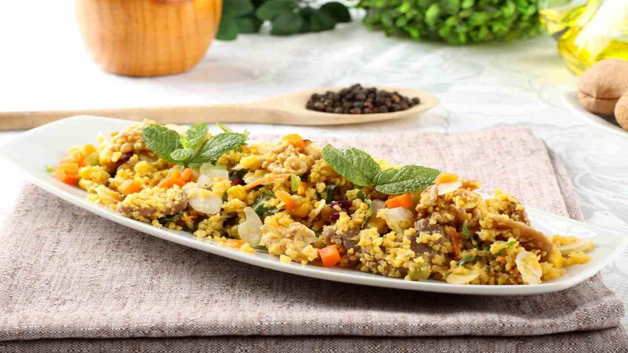 Insalata cous cous con mandorle e verdure