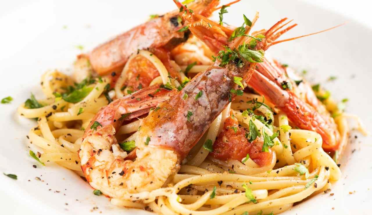 Linguine ai gamberi e pistacchi - ricettasprint